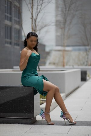 Syrina nuru massage in Rosedale CA