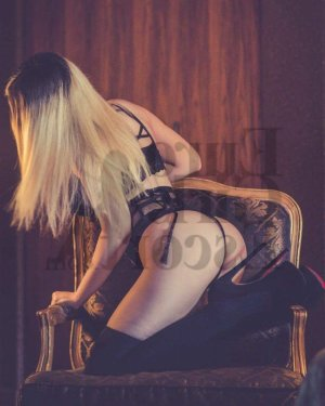 Aude-line erotic massage