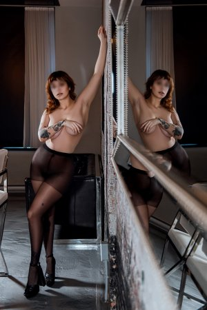 Melisse tantra massage
